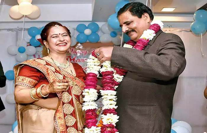 25th Marriage Anniversary Gift Ideas for Your Parents
