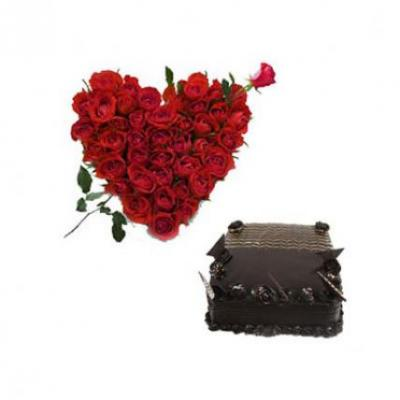 Roses Heart With Chocolate Truffle Cake Square