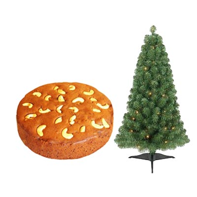 Christmas Plum Cake With Tree