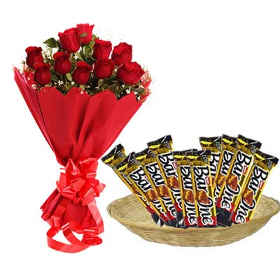Barone Hamper With Roses