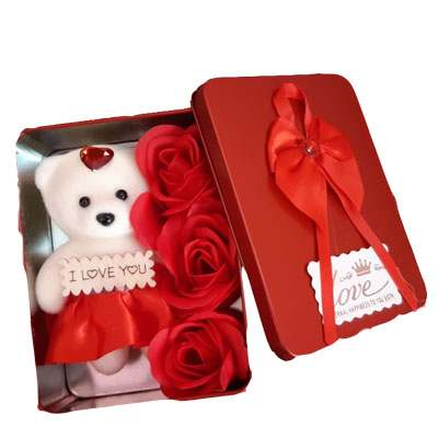 Teddy Roses in Square Box