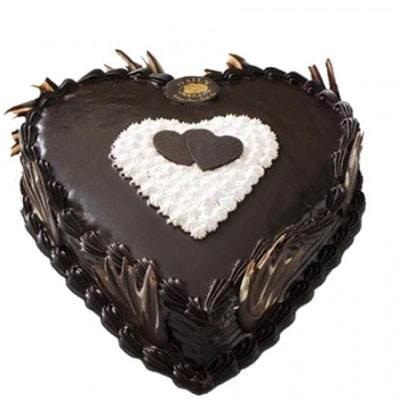 Eggless Heart Shape Chocolate Truffle Cake