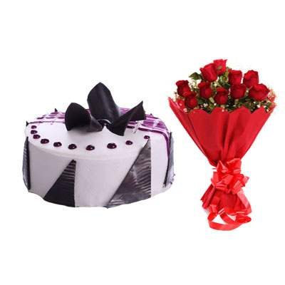 Delicious Blueberry Cake with Bouquet