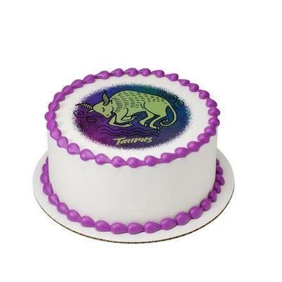Pineapple Taurus Round Cake