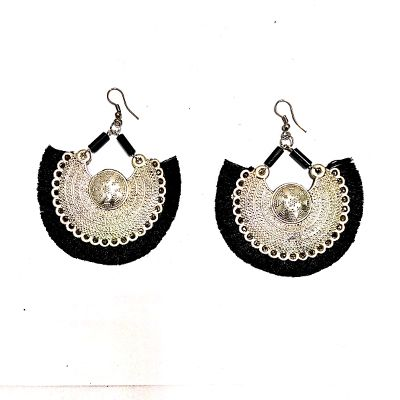 Black n White Earring